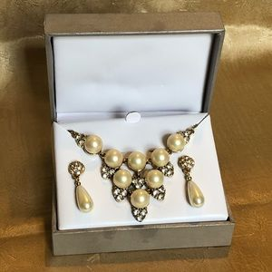 Monet faux pearl & rhinestone necklace earrings